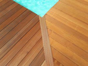 bois exotique piscine